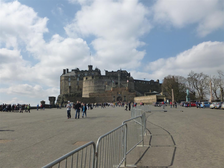 Aufstieg zum Castle...