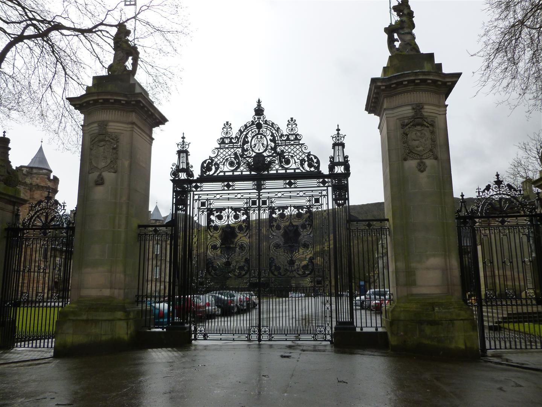 Mit richtig dickem Gate! Die Schotten mögens halt groß!