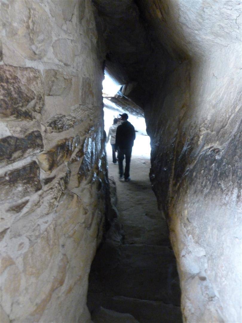 Weiter durch Tunnel...