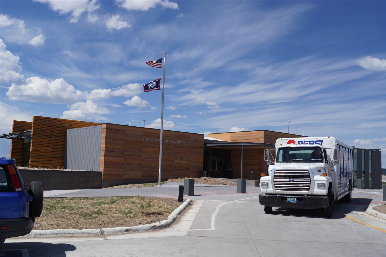 Kurzer Stopp beim Welcome Center in Wyoming. Der Pepsi Truck war auch schon da!
