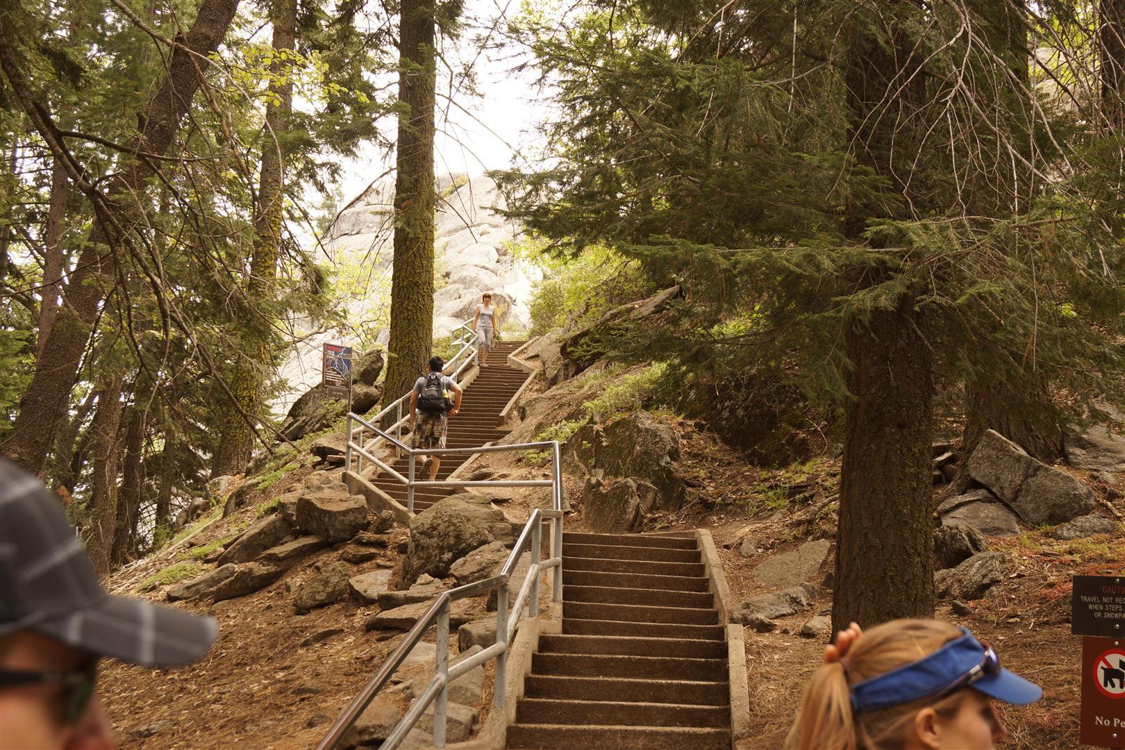 Beginn der 400 Stufen...