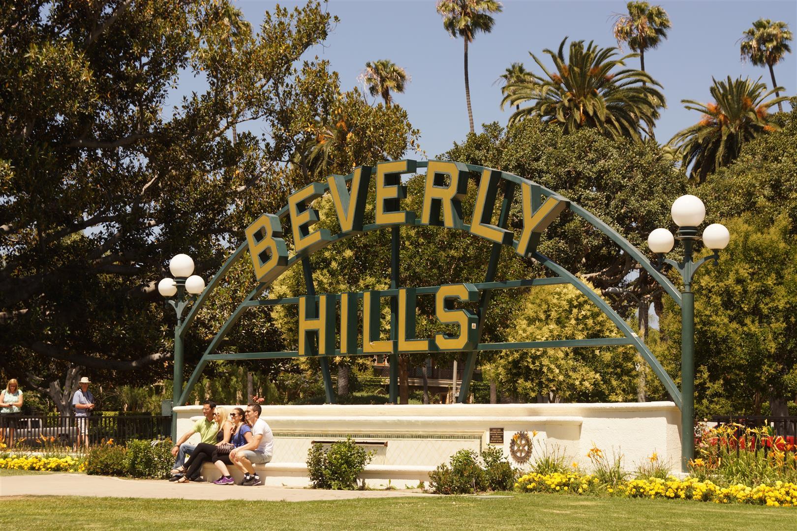 Beverly Hills und sein schöner Park! (Die anstehenden Touristen auf der linken Seite haben wir abgeschnitten)