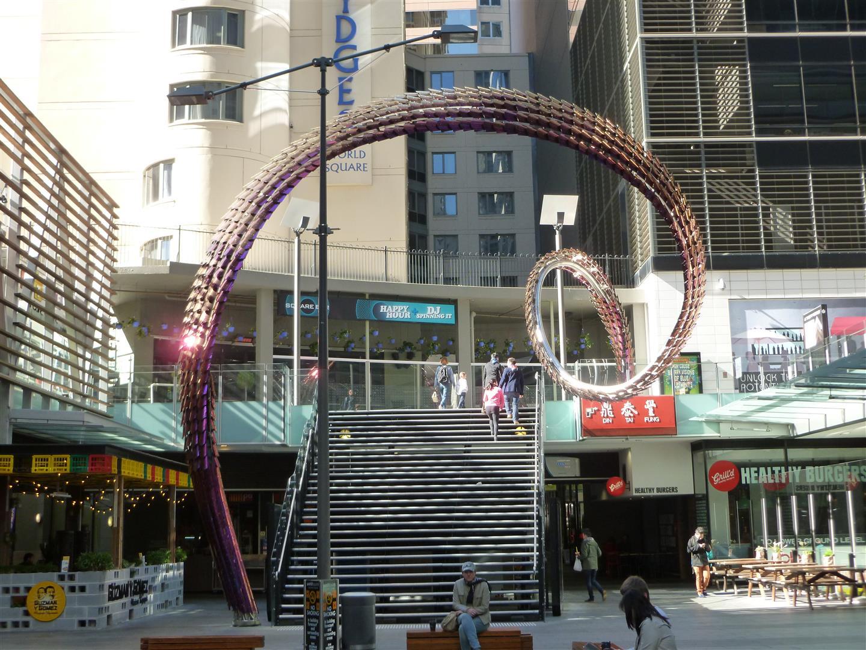 Schon wieder Drachen und chinesische Schrift? - Ja, als erstes führte unser Weg durch Chinatown!