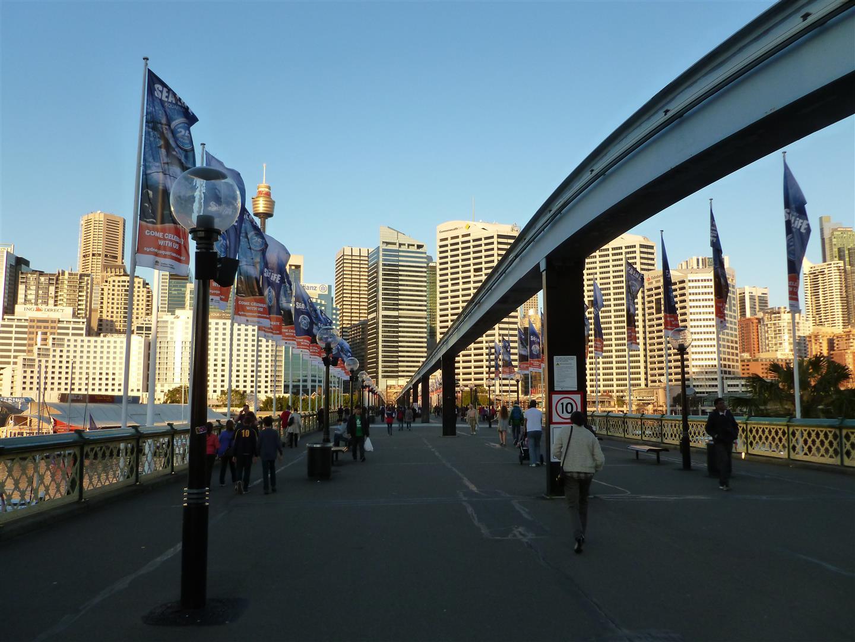 Blick vom Maritime Museum. Die Monorail rechts im Bild ist leider seit einem Monat stillgelegt.